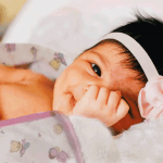 Cobijas y mantas para bebé con diseños infantiles marca Landi baby.