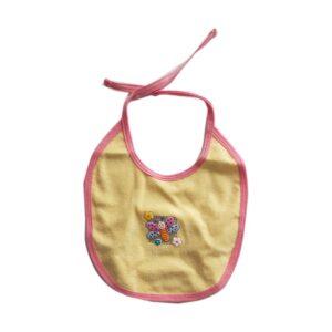 Babero pequeño estampado mariposa para bebé, color amarillo.